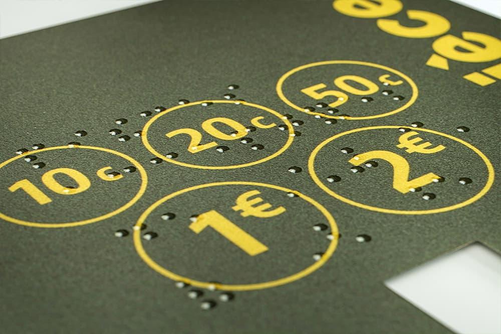 Impression de supports en braille pour les non voyants avec ASTI Sérigraphie, spécialiste de l'impression en sérigraphie industrielle